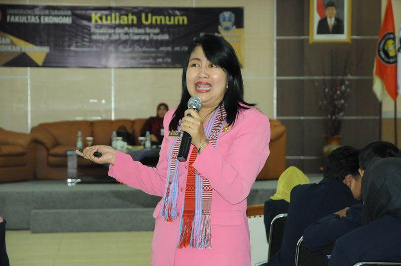 Kisah Guru Berprestasi Alumni S2 Unesa
